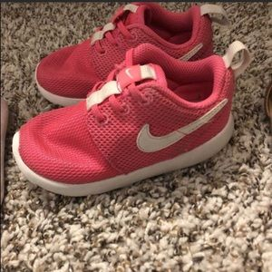 Pink Nike girl shoes